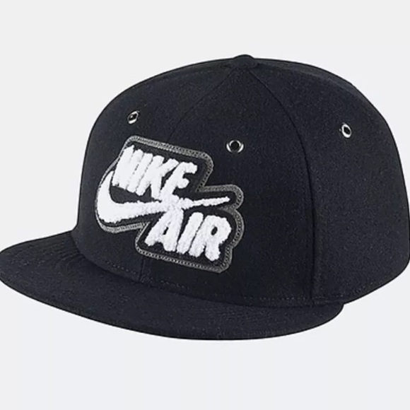 b6301ff5e Nike True Wool Snapback Cap Adjustable 698890 010 NWT